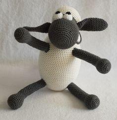 Kijk wat ik gevonden heb op Freubelweb.nl: het gratis haakpatroon van HaakHooked om Shaun the Sheep te maken http://www.freubelweb.nl/freubel-zelf/zelf-maken-met-haakkatoen-shaun-the-sheep/