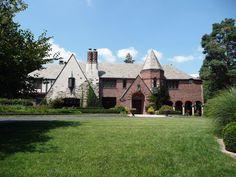 Michael H. and Rose Katz House in Kansas City, Missouri.