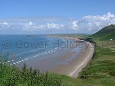 Rhossili Bay has been voted amongst the best beaches in the world with the iconic Worms Head. It has to be seen to be fully appreciated. Rhossili Bay, Gower Peninsula, Picnic Spot, Beaches In The World, Swansea, Best Location, Great Britain, Google Images, Wales