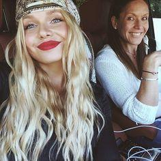 Alli Simpson & mum