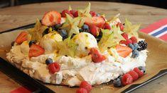 Oppskriftene til mai Pavlova, Bratwurst, Sashimi, Fruit Salad, Feta, Deserts, Lush, Fruit Salads, Desserts