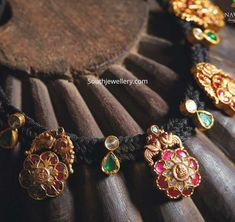 Rope Jewelry, Jewelry Design Earrings, Gold Earrings Designs, Coral Jewelry, Trendy Jewelry, Beaded Jewelry, Brass Jewelry, Necklace Designs, Gold Temple Jewellery