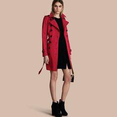 Trench coat Chelsea – Trench coat Heritage de longitud media Rojo Desfile | Burberry