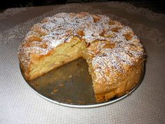 Ucierany placek z jabłkami Polish Desserts, Polish Recipes, Garlic Knots, French Toast, Food And Drink, Sweets, Bread, Cookies, Baking