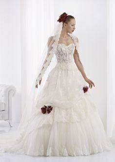 Collezione abiti da sposa #Jolies, abito da #sposa modello JOAB13448IV