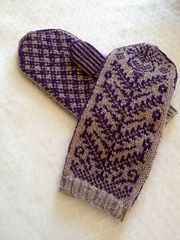 Somewhere between William Morris' tapestries, Byzantine herbals, my own scribblings and the Fourth Style of Roman wall-painting these mittens happened.