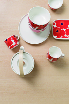 Marimekko's online home for the Unikko tea cup in Home. find shops and retailers. Marimekko, Tea Cups, Coffee Cups, Build Your House, Kitchenware, Tableware, Snacks, Scandinavian Design, Ceramic Art