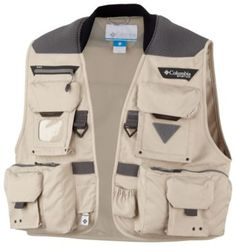 This performance fishing vest features our Columbia Comfort System™ to evenly distribute weight.
