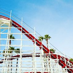 Zou!  #SantaCruz #California #visitcalifornia #travelusa #GiantDipper #BeachBoardwalk #Palmtree #tasteintravel #discoveramerica #passionpassport #neverstopexploring #decouvrirensemble #natgeofrance #natgeotravelerfrance #abmtravelbug #nothingisordinary #sunnypicchallenge #goexplore #AirFranceMagazine #francaisauxusa # # | Photo de @laurafwc