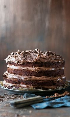 Pätkis-kerroskakku // Mint Chocolate Layer Cake¨ Food & Style Elina Jyväs… Sweet Recipes, Cake Recipes, Dessert Recipes, Finnish Recipes, Delicious Desserts, Yummy Food, Pastel, Mint Chocolate, Chocolate Cake