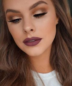 Hottest Eye Makeup Trends for 2018 - Spring 2018 Makeup - It's Time To Check Out What Eyeliner And Make Up Products Are Going To Be Trending For 2018. We Cover Eyeshadows For Different Size Eyes And Faces And Eyeliner That Will Make Those Brown Or Blue Eyes Pop. Pair These Hot Eye Makeup Trends With Dark Lips Using Sexy Lipsticks And The Right Brows And You Are Going To Be Looking Fabulous For 2018. Try The Winged Liner or the Cut Crease Or Keep It Simple And Natural. 2018 Is Yours -