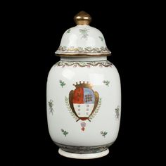 China 20. Jh. Tee Dose - A Chinese Export Porcelain Armorial Tea Caddy - Chinois