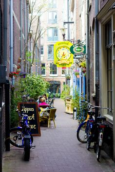 The place where I used to drink beer with my classmates & teachers after class, ofc - Zeppos (Amsterdam) I Amsterdam, Amsterdam Netherlands, The Places Youll Go, Places To See, Voyager Loin, Voyage Europe, Vacation Destinations, Restaurant, Wonders Of The World