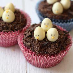 Unos cupcakes moníiiiisimos para una fiesta primavera! De La Receta de la Felicidad, via blog.fiestafacil.com / Looovely cupcakes for a spring party! From La Receta de la Felicidad, via blog.fiestafacil.com