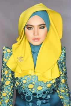 I wore hijab it makes my beloved parents proud. I have many Hijab style. Modest Dresses, Modest Outfits, Modest Fashion, Hijab Fashion, Dubai Fashion, Women's Fashion, Siti Nurhaliza, New Hijab, Muslim Women Fashion