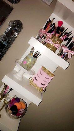 Pinterest | xdreamdolll ✝️💖✨ Cute Bedroom Ideas, Cute Room Decor, Room Ideas Bedroom, Bedroom Themes, Bedroom Decor, Bedrooms, Cute Teen Rooms, Pinterest Room Decor, Beauty Room Decor