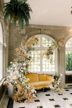 Gold leaf meets persimmon in this grand autumnal wedding inspiration captured at a historic wedding venue for Styled Social Indiana. Floral Wedding, Wedding Bouquets, Luxe Wedding, Wedding Flowers, Dream Wedding, Fair Photography, Wedding Photography, Dance All Day, Wedding Reception Planning