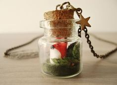 Fox terrarium necklace. want it !