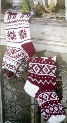 ↨↨ Fяее Pаттеяи ↨↨ Fair Isle Knitting, Knitting Socks, Knitting Stitches, Free Knitting, Knitting Patterns, Crochet Patterns, Knitted Christmas Stockings, Christmas Knitting, Woolen Socks