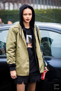 Binx Walton Street Style Street Fashion Streetsnaps by STYLEDUMONDE Street Style Fashion Photography