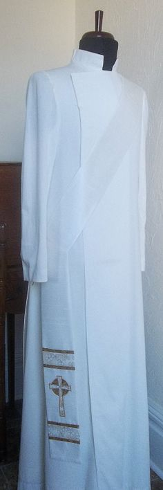 White Deacon Stole with Celtic Cross | serendipityclergystoles.com