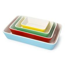 I want!  I don't need, but I want!  They remind me of my vintage Pyrex bowls.
