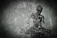 les sculptures renversantes de Regardt van der Meulen