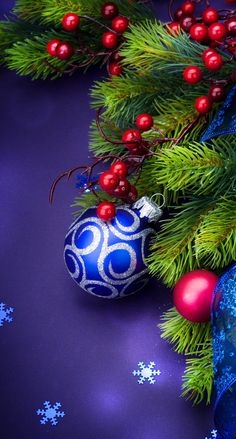 Wallpaper... By Artist Unknown... Christmas Live Wallpaper, Christmas Desktop, Holiday Wallpaper, Tree Wallpaper, 3840x2160 Wallpaper, Wallpaper Pictures, Wallpaper Ideas, Merry Christmas And Happy New Year, Blue Christmas