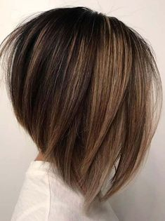 Just visit here to see our best ever textured bob haircuts with elegant blonde balayage hair colors and highlights for year Bob-Haarschnitte 72 Stunning Textured Bob Haircuts & Blonde Balayage Highlights Blonde Balayage Highlights, Balayage Brunette, Hair Color Balayage, Highlights For Short Hair, Angled Bob Haircuts, Wavy Bob Hairstyles, Hairstyles 2018, Medium Bob Haircuts, Fall Hairstyles