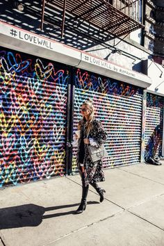 Love Wall I New York http://www.ohhcouture.com/2017/02/love-wall-i-new-york/ #ohhcouture #leoniehanne