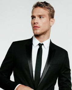Skinny Ties, Suit Fashion, Male Models, Actors & Actresses, Sexy Men, Hot Guys, Suit Jacket, Boys, Girls