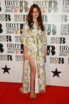 Pin for Later: The Brit Awards Kicked Off With a Star-Studded Red Carpet Lana Del Rey Lana Del Rey Outfits, Brit Awards 2016, Superstar, Indie, Hollywood Red Carpet, Carpet Trends, Carpet Ideas, Star Wars, Celebrity Outfits
