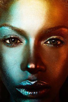 20 Beautiful Examples of Glamour Portrait Photography (see others from the link) Crazy Makeup, Makeup Looks, Beauty Photography, Portrait Photography, Amazing Photography, Fashion Photography, Make Up Art, Fantasy Makeup, Costume Makeup