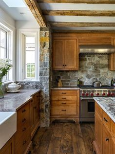 60 Contemporary Wooden Kitchen Cabinets For Home Inspiration. Choosing the perfect wooden kitchen cabinets for your home is not as simple as it might appear. Rustic Country Kitchens, Rustic Kitchen Design, Home Decor Kitchen, New Kitchen, Kitchen Ideas, Awesome Kitchen, Beautiful Kitchen, Kitchen Designs, Kitchen Tips
