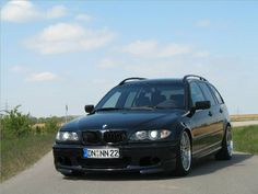 Photos of BMW touring. Photo We have a huge collection of photos! E46 Tuning, Dodge Srt 4, Ford Orion, Bmw Touring, Drag Racing, Auto Racing, Ford Rs, Bmw Sport, Luxury Private Jets
