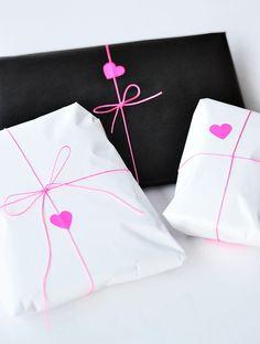 sweet gift wrap | http://diy-gift-ideas.blogspot.com