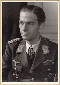 Oberstleutnant Helmut Mahlke --- Kommandeur III./Stuka Geschwader 1.- http://www.das-ritterkreuz.de/index_search_db.php4?modul=search_result_det&wert1=3966&searchword=Mahlke