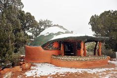 Earthship. This is my dream home!