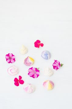Meringues & flowers.... by little artisan kitchen