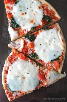 Entertaining Ideas for a Stress Free Dinner Party. Great tips for a girls night in! New Pizza, Pizza Pizza, Raw Food Recipes, Healthy Recipes, Mozzerella, Baking Tips, Me Time, Girls Night, Bon Appetit