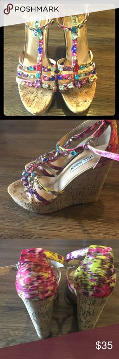 Steve Madden wedges You can't pass up these sexy pops of color wedges🤗 super comfortable. Used for a couple days on a Dominican Republic vacation. They served their purpose for sure. Can see the wear on the bottom but other than that they are in pristine condition! Make an offer😊 Steve Madden Shoes Wedges