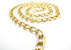 Cad 008 Cadena dorada de aluminio, Medida; 1.3 cm x 0.8, $15 el metro, precio especial a mayoristas.