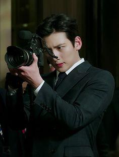 Healer ❤❤ 지 창 욱 Ji Chang Wook ♡♡ that handsome and sexy look . Ji Chang Wook Smile, Ji Chang Wook Healer, Ji Chan Wook, Jung So Min, Korean Star, Korean Men, Asian Actors, Korean Actors, Ji Chang Wook Photoshoot
