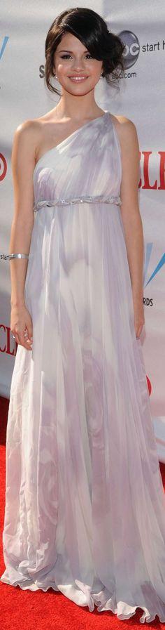 Selena Gomez red carpet dress. love this!