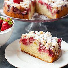 Ciasto jogurtowe z truskawkami i kruszonką | Kwestia Smaku