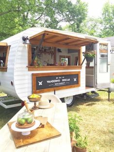 Handmade cocktails from The Wandering Sidecar Bar Co. Th… Handmade cocktails from The Wandering Sidecar Bar Co. This mobile bar service is a renovated 1960 Avalon camper. Mini Bars, Coffee Carts, Coffee Truck, Mobile Bar, Foodtrucks Ideas, Mobile Coffee Shop, Coffee Trailer, Coffee Van, Coffee Barista