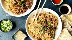 Szechuan Noodles With Spicy Beef Sauce Recipe - Genius Kitchen Beef Sauce, Hoisin Sauce, Onion Sauce, Szechuan Noodles, Ramen Noodles, Sauce Recipes, Cooking Recipes, Kitchen Recipes, Kitchen Tips