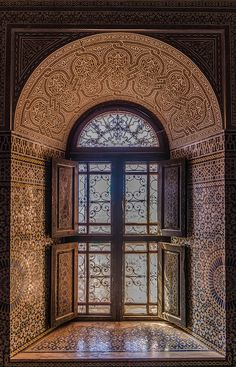 Kasbahs maroc Islamic Architecture, Art And Architecture, Architecture Details, Moroccan Design, Moroccan Style, Moroccan Dress, Islamic World, Islamic Art, Old Doors