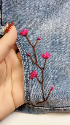 Simple Embroidery Designs, Hand Embroidery Patterns Flowers, Hand Embroidery Videos, Embroidery Stitches Tutorial, Embroidery On Clothes, Creative Embroidery, Hand Embroidery Designs, Etsy Embroidery, Hacks Videos