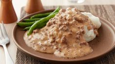 Hamburger gravy 15 minutes and two steps are all you need to prepare this flavorful beef gravy that adds instant zing to almost anything! Hamburger Gravy Recipe, Hamburger Dishes, Beef Gravy, Hamburger Recipes, Beef Dishes, Ground Beef Recipes, Food Dishes, Crockpot Recipes, Cooking Recipes